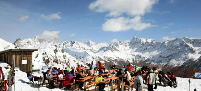 Adler Club Residence Val di Fassa, Semana de esquí en los Dolomitas italianos