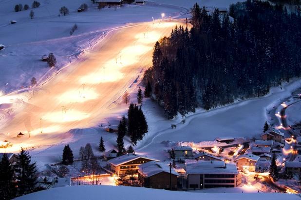 Esquí nocturno en Skicircus Leogand