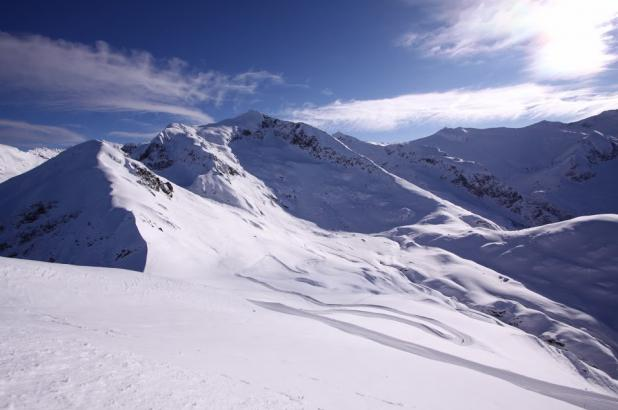 Estación de esquí de Guzet en invierno, pista panoramica Gérac