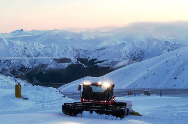 Nueva Zelanda, New Zealand, Isla del Sur, South Island, The Remarkables Ski Area, Groomer
