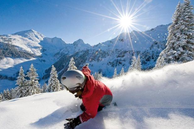 Snowboarder en Alpbachtal
