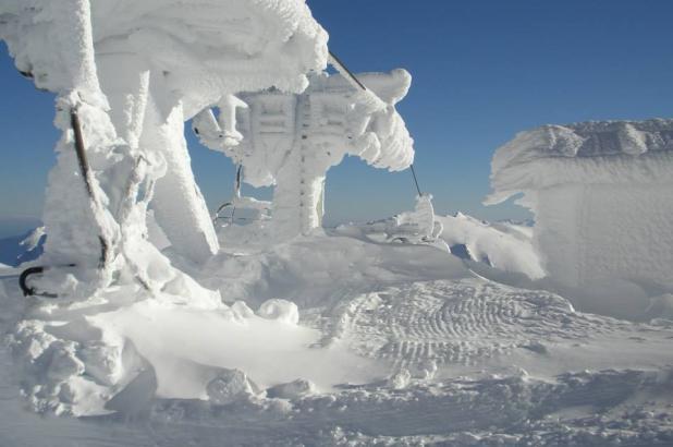 Aspecto de la nieve acumulada en Alto Campoo en sus remontes