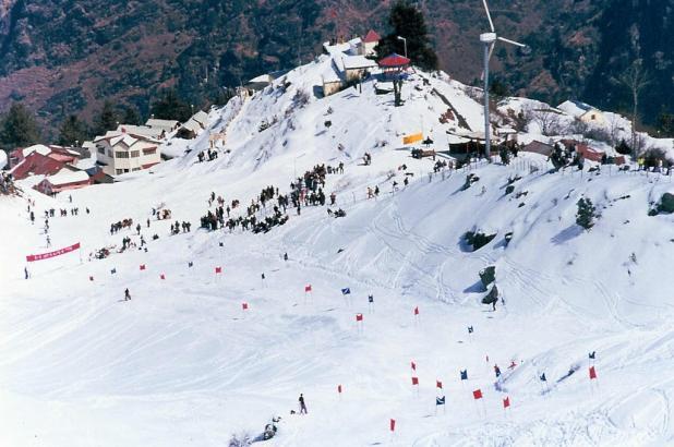 Estación de esquí de Auli en el Himalaya indio