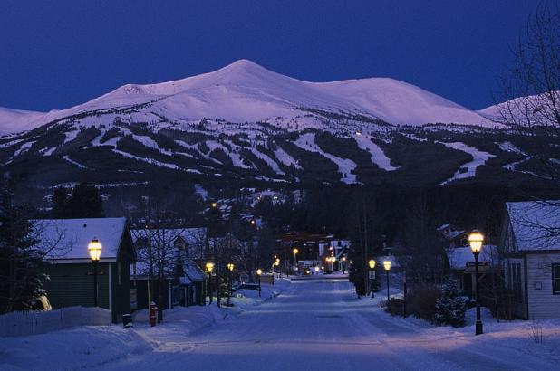 Imagen nocturna de Breckenridge en Colorado