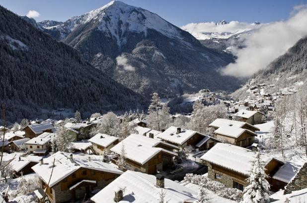 Peqeuño pueblo de Champangny en Vanoise