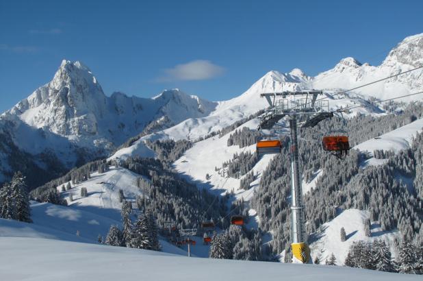 Bonito día de esquí en Château d'Oex
