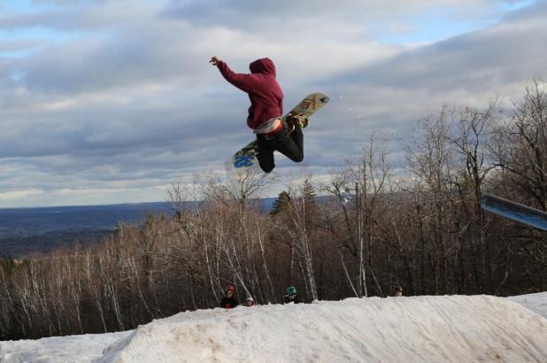 Saltando en Crabbe Mountain