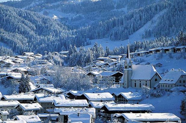 Vista de la población de Fieberbrunn