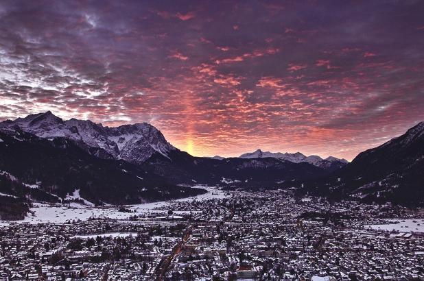Imagen de la puersta del sol en Garmisch, crédito imagen Andrew Michael Smith