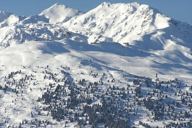Panorámica de las magníficas montañas de Hochzillertal en el Tirol