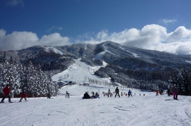 Esquiando en Jam Katsuyama