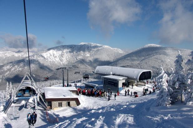 Invierno en la estación de esquí de Jasná en Eslovaquia