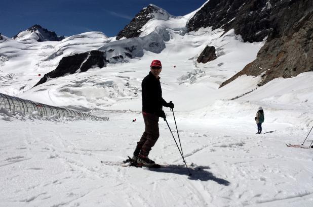 Preparado para bajar por la pista de esquí de La Jungfrau, imagen tomada por Lugares de Nieve el 22 de agosto del 2013