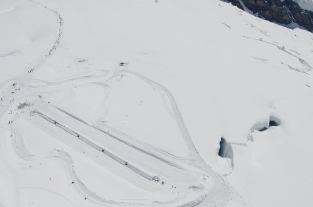 Imagen de la pista esquiable del glaciar de la Jungfrau