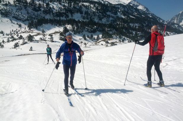 Practicando esquí de fondo en Llanos del Hospital