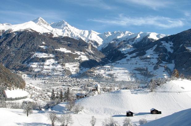 El bonito pueblo de Matrei en el Tirol Austríaco