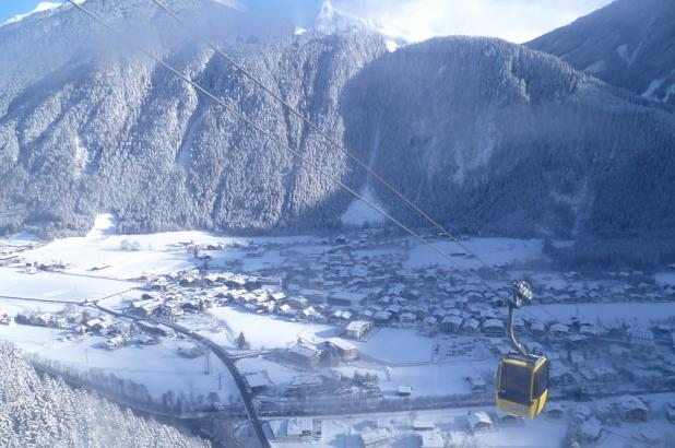 Vista de Mayrhofen en el valle de Zillertal