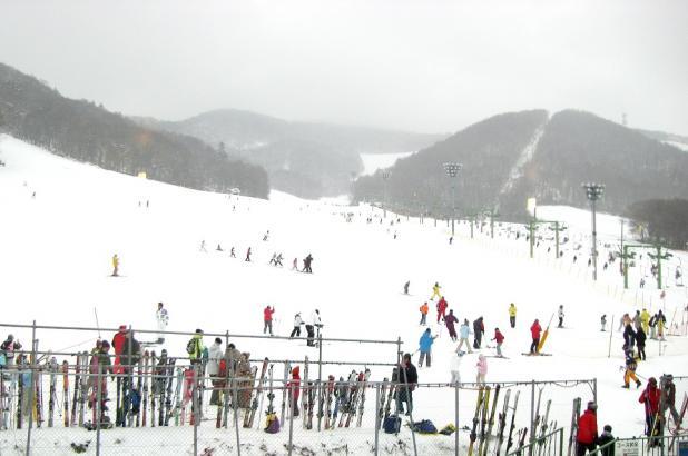 Esquiando en Moiwayama Ski Jo