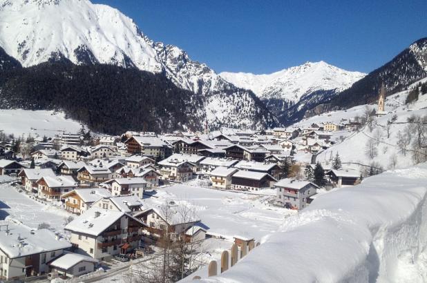 Panorámica de Nauders en el Tirol forntera con Italia