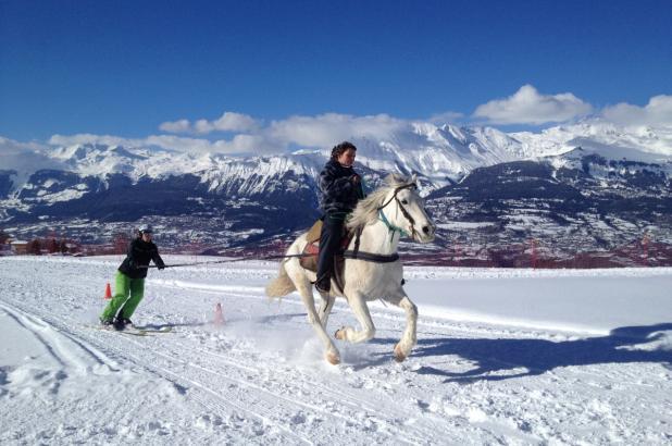 Buena manera de disfrutar del esquí en Nax