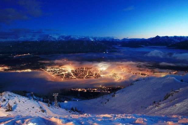 Vista nocturna de Innsbruck desde Nordkette