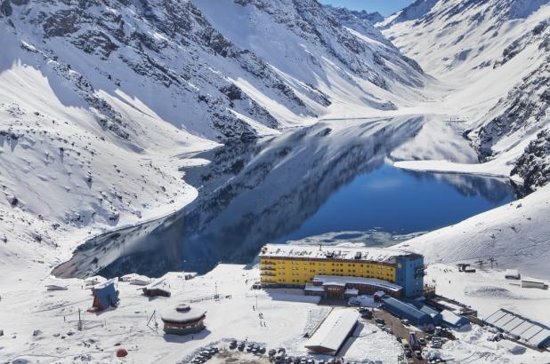 Atractiva imagen de la famosa estación de esquí de Portillo.
