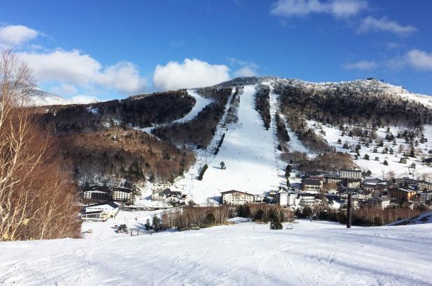 Cielo azul de Shigakogen Mountain Resort