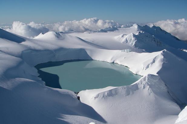 Crater-lake-Turoa-mt-ruapehu-photo-by-Chris-Conway