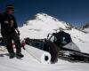 Stubai cubre la nieve del glaciar con lonas para guardarla y abrir para el esquí en septiembre