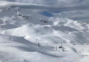 """Boí Taüll, la estación que """"fabrica"""" esquiadores desde la escuela hasta el freeride"""