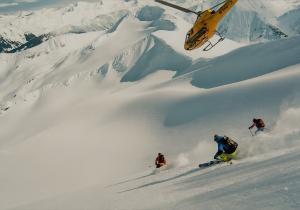 Heliski. una alucinante experiencia en la nieve asequible para casi todos los niveles (y bolsillos)