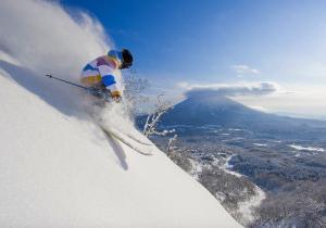 Así es la nieve de Japón: El destino soñado por esquiadores de todo el mundo