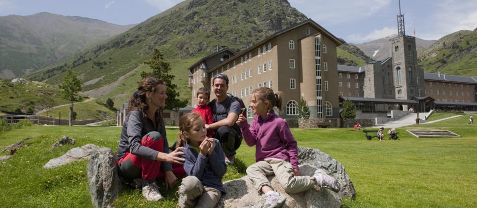 En verano descubre las estaciones de montaña de FGC. Naturaleza y aventura para toda la familia
