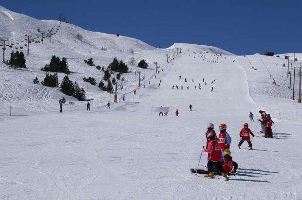 En dos semanas abrirán al menos 5 de las 39 estaciones de esquí del Pirineo francés