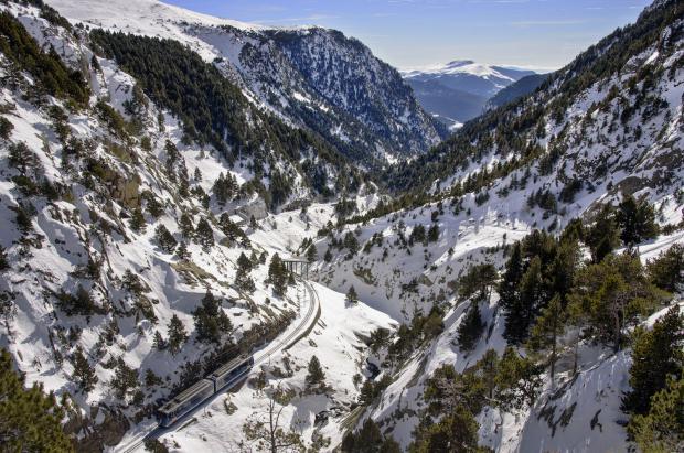 A la venta el Skitren, el billete que combina tren, traslado a pistas y forfait de La Molina y Núria