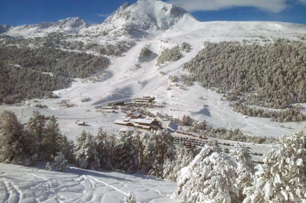Las estaciones Andorranas descartan que se alargue la temporada a pesar de la nieve