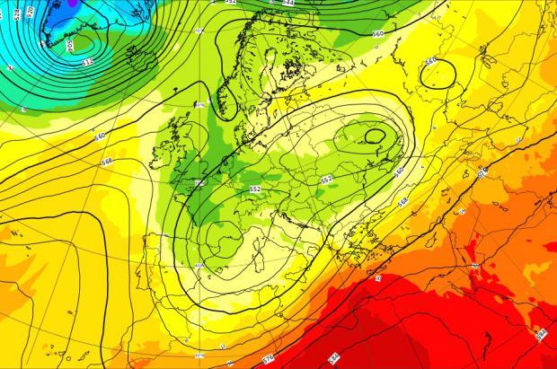 Meteo: Nevadas el viernes y temperaturas de invierno, más estable el fin de semana