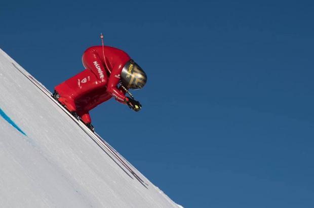 Jan Farrell, a punto de lanzarse a más de 230 km/h para ser el más rápido del mundo sobre esquís