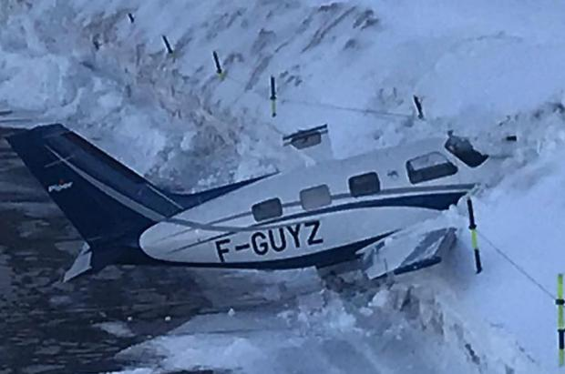 Vídeo: aterrizaje accidentado de una avioneta en el altipuerto de Courchevel