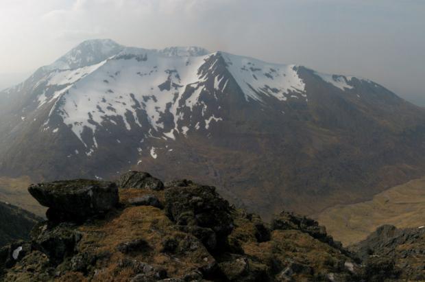 Tres muertos y un herido por una avalancha de nieve en la montaña más alta del Reino Unido