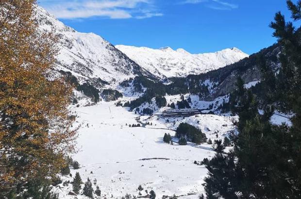 Los Pirineos tienen cinco veces más nieve de la habitual y las reservas llegan a máximos históricos