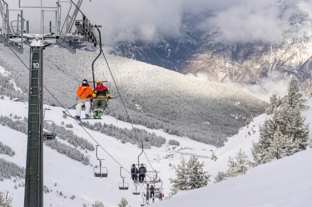 Aramón supera el millón de esquiadores en una temporada difícil y con un febrero histórico