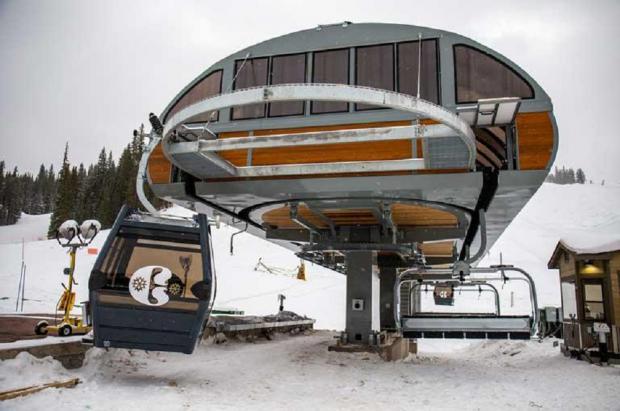 Se estrella una cabina vacía de la nueva góndola de la estación americana de Copper Mountain