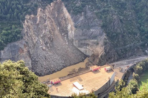 Un desprendimiento en la carretera de Andorra obliga a cortar el acceso desde La Seu d'Urgell