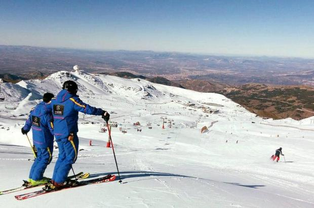 Nace Summitify, el primer buscador específico de clases de esquí y deportes de nieve de España