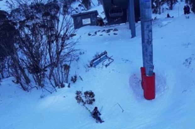 Un herido al caer una silla de un telesilla de Thredbo, en Australia, a causa del viento