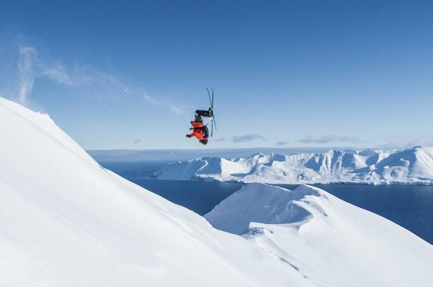 Estreno en España de Future Retro, la última película de esquí y snowboard de Warren Miller