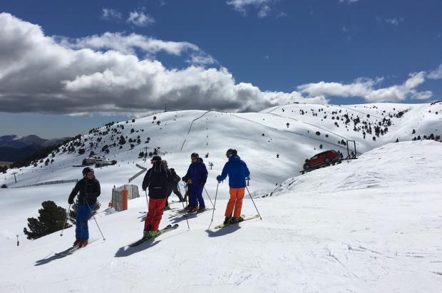 La Molina afronta el último mes de la temporada de esquí con nuevos horarios de apertura