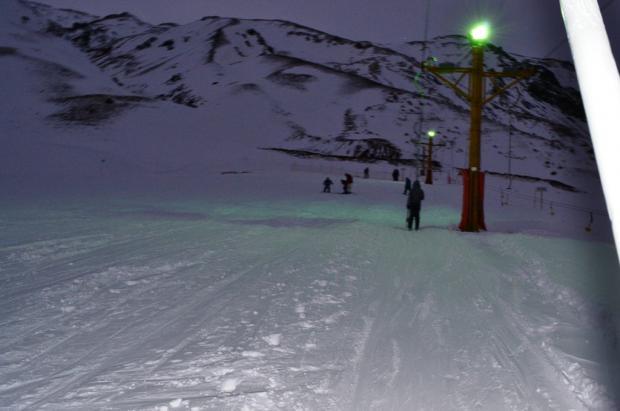 El Parque de Nieve Los Puquios habilita la pista de esquí nocturno