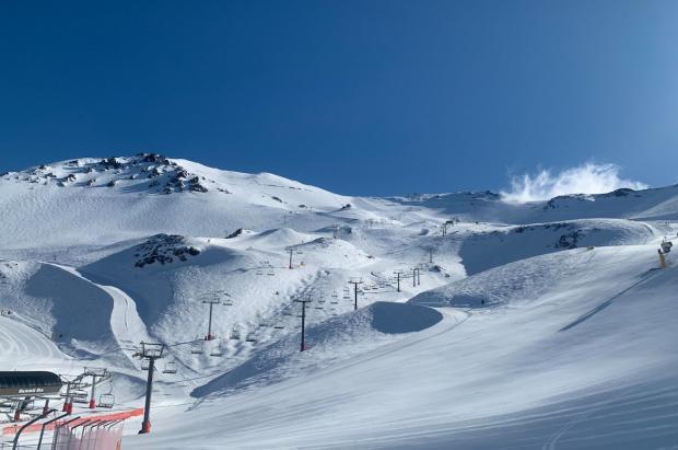 Restricciones en las áreas de esquí de Nueva Zelanda por un rebrote de la Covid-19